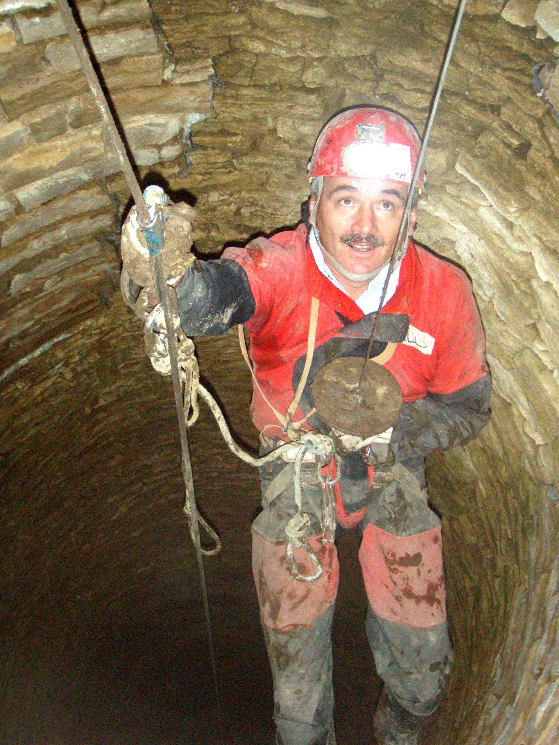 D sobstruction d 39 un puits romain gsam groupe for Technique pour creuser puit